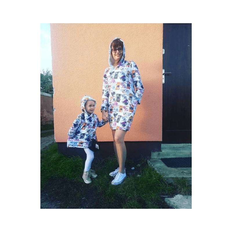 Wykrój na sukienkę sportową z kapturem dla dziewczynki rozmiar 128 152