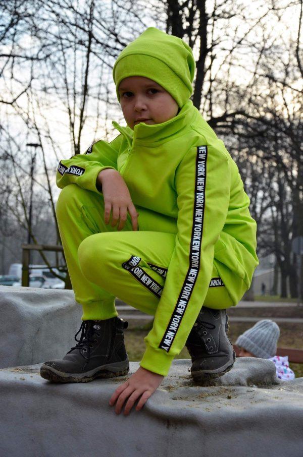 Wykrój na spodnie dresowe i bluzę ze stójką dla chłopca i dziewczynki